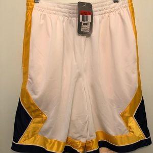 Nike Basketball Shorts. Large: